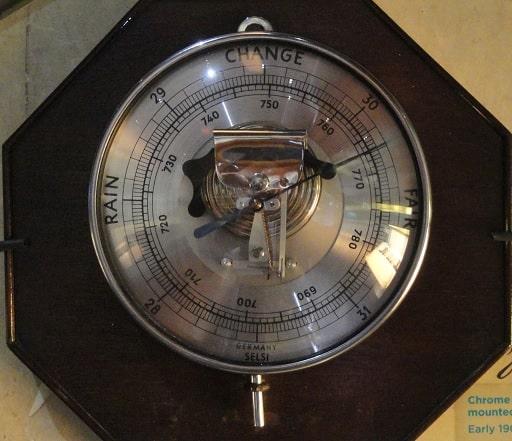Старый барометр